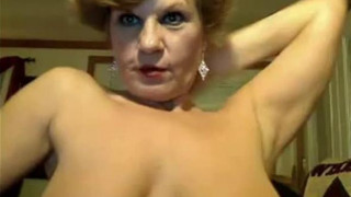 52 year old lady on the naughty on webcam